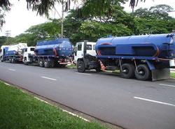 Caminhão de Hidrojateamento.